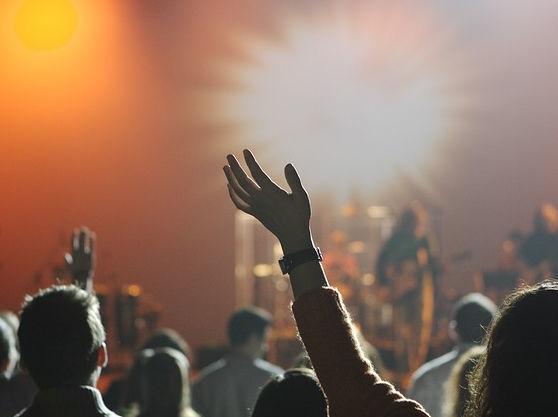 Афиша DK.RU: бизнесмены пойдут в театр и на пивной фестиваль