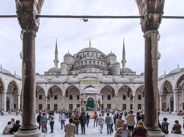 Новосибирские турагентства прекратили продажу туров в Турцию