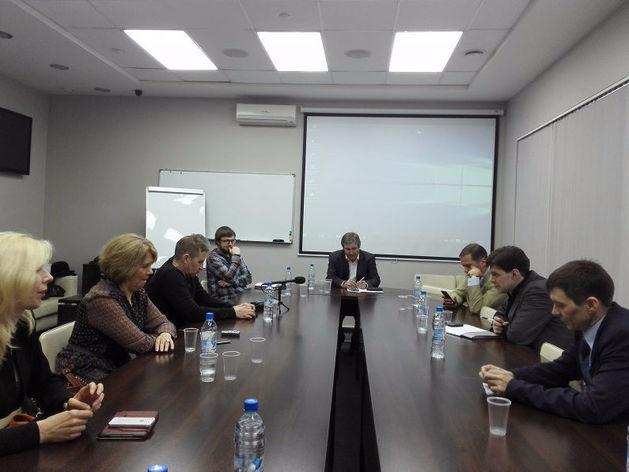 «Волны ложного оптимизма». В Новосибирске обсудили реальные возможности пережить кризис