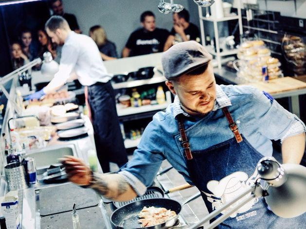 На Красном проспекте открылось food-casual заведение «Кухня»