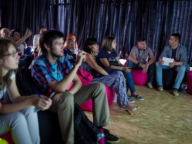 Tele2 открыл в Новосибирске бесплатный 4G-кинотеатр