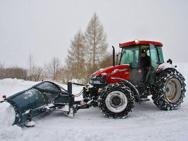 Новосибирские дорожники приобрели новую технику для зимней уборки трасс