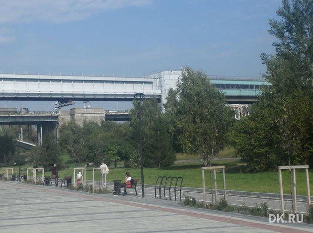 Власти приняли запланированные на этот год работы по обновлению Михайловской набережной