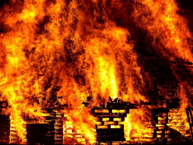 В Новосибирске при тушении пожара обнаружено тело мужчины