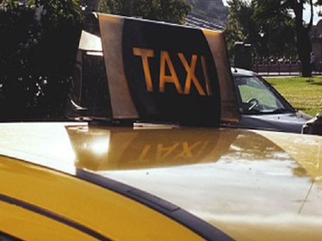 "В Новосибирске при ДТП на ""встречке"" пострадали пассажирки такси"