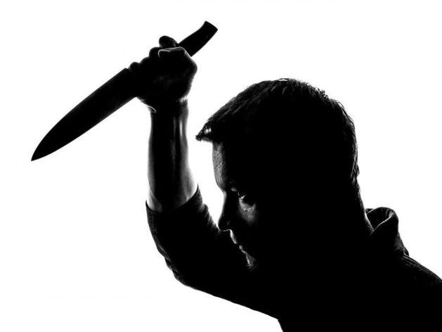 В Новосибирске сын набросился с ножом на отца