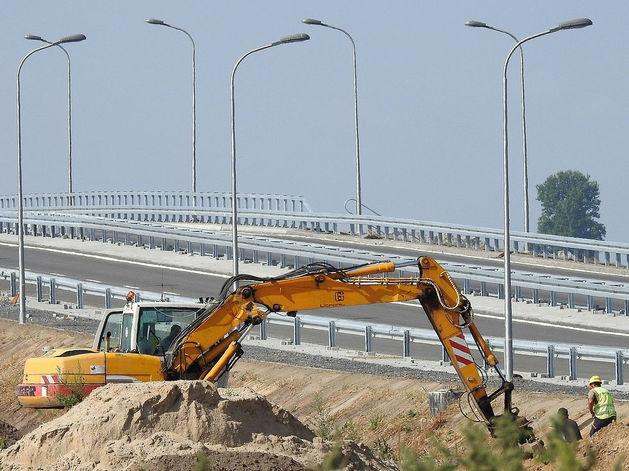 Травников недоволен завершенностью строительных работ на Восточном объезде