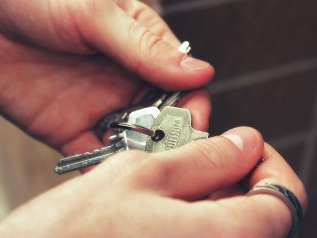 «Нет денег — арендуй»: в Новосибирске сильно подорожали «двушки»