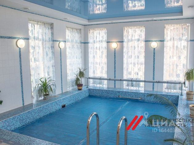 Загородную усадьбу с бассейном за 150 тысяч сдают в Новосибирске