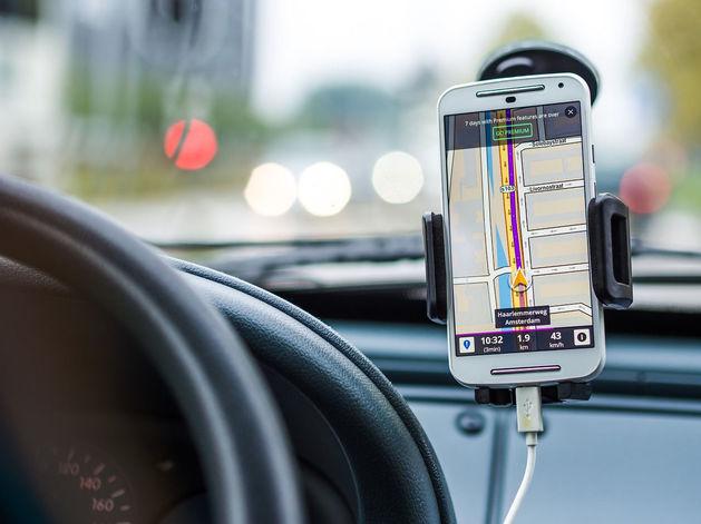 В Новосибирске предложили штрафовать водителей на 20 тыс. за телефоны