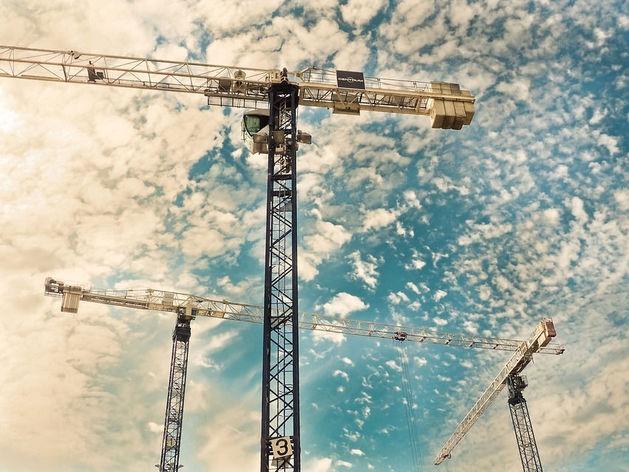 Строительство жилья в Новосибирске выросло, долевые договоры упали