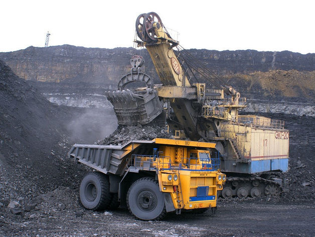 Травников сообщил Путину о готовности наращивать экспорт угля из региона