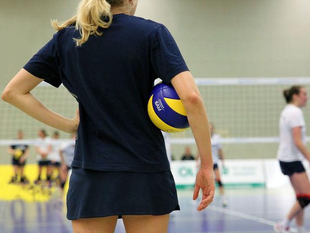 К середине октября в Новосибирске достроят дороги к волейбольному центру