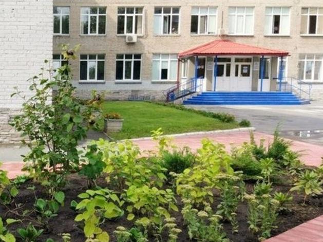 Родители учеников лицея №22 попросили помощи у Путина