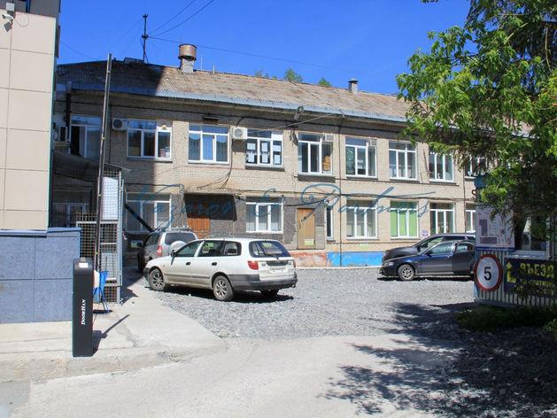 Инвесторам предлагается проект по реконструкции торгово-офисного здания в Академгородке