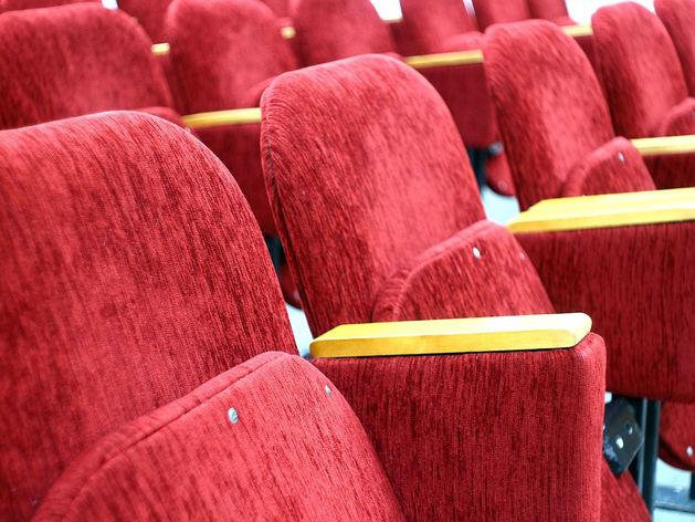 Перестал работать один из крупнейших кинотеатров Новосибирска