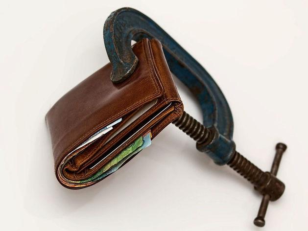 Резко сократилось количество потребительских кредитов в Новосибирской области