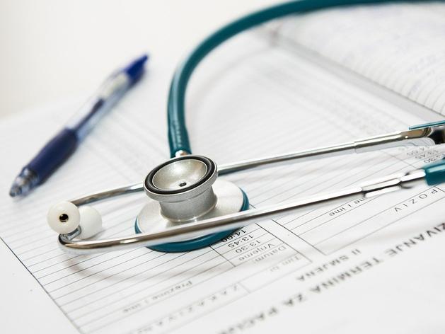 Новосибирский застройщик построил за свой счет врачебную амбулаторию