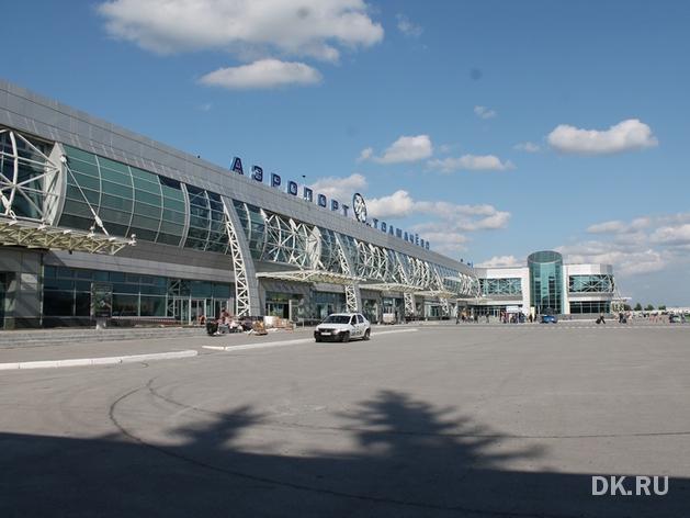 Первую сваю установили на строительной площадке нового терминала Толмачёво