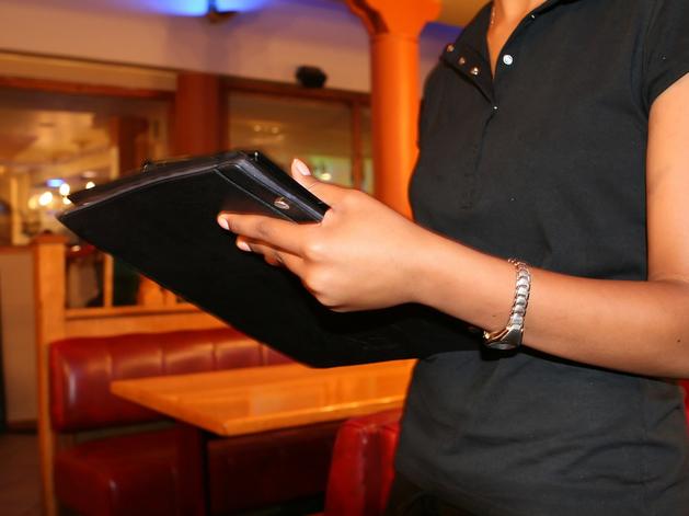 Турбизнес и рестораторы Новосибирска массово набирают сотрудников