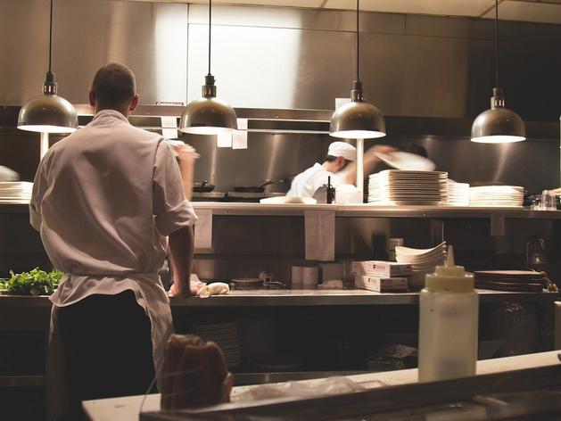 Федерация рестораторов: отрасль будет выходить из кризиса еще не менее 2 лет