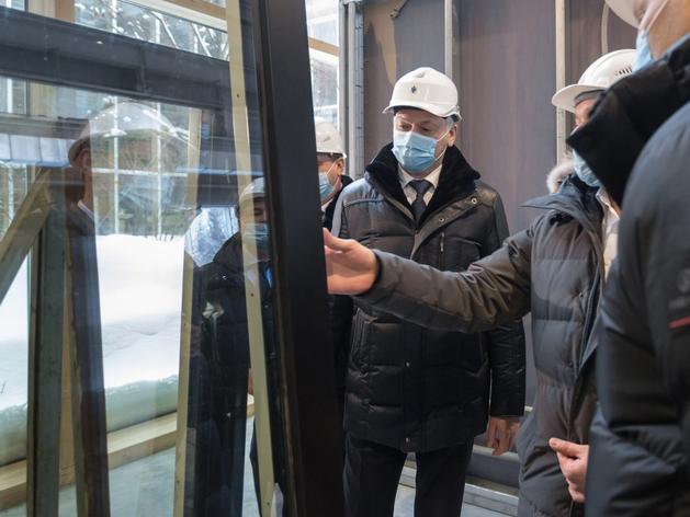 Новосибирский застройщик запустил производство дерево-алюминиевых окон