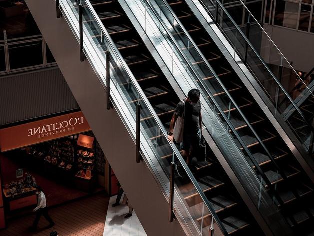 Три административных дела завели после проверок в новосибирских ТЦ и магазинах