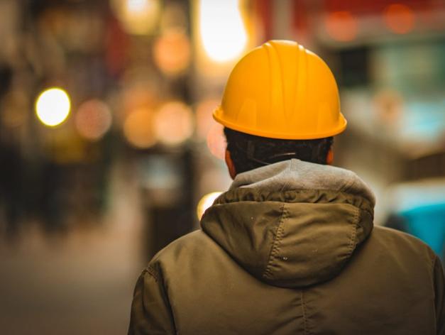 Заводы не стоят: производства в Новосибирске ищут мастеров